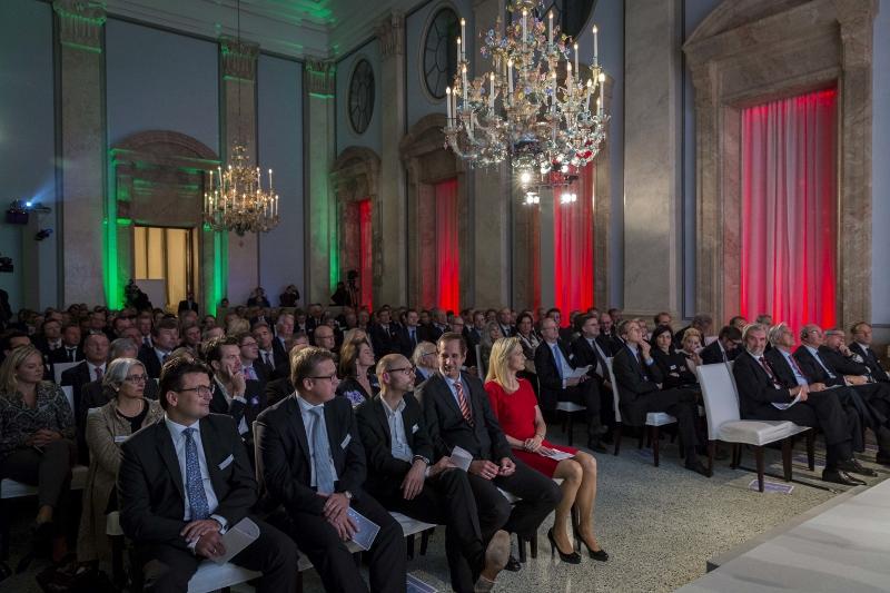 Der BEB Award 2013 von Roland Berger Strategy Consultants, in der italienischen Botschaft in Berlin. 20. November 2013 Marc Beckmann/Agentur Focus