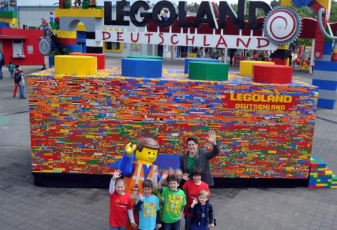 Pate: größter LEGO Stein der Welt, 26.05.2015, Günzburg